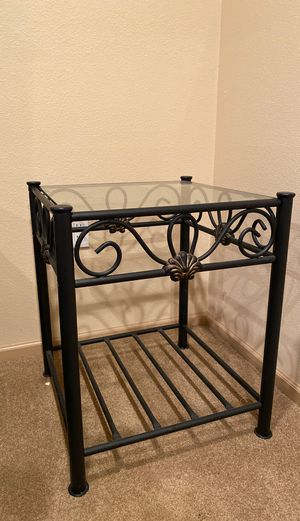 Metal end table for Sale in Edmonds, WA