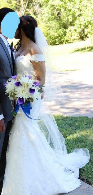 Stunning Wedding dress, Essence of Australia, Size 12 for Sale in Lucas, TX