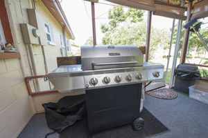 BBQ Grill with cover for Sale in Orlando, FL