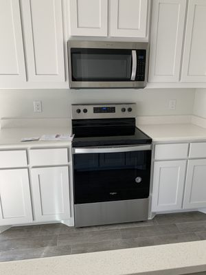 Whirlpool Appliance Set for Sale in Fort Worth, TX