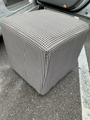 Cube ottoman for Sale in Dunedin, FL