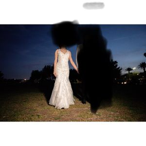 Beautiful wedding dress. Size 2. Small. for Sale in Henderson, NV