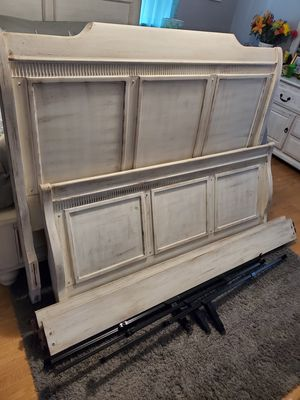 Queen Bed (Frame Only) for Sale in Clearwater, FL