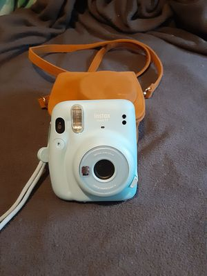 Instax mini 11 for Sale in Montgomery, PA