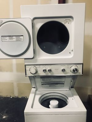 """Kenmore energy efficient 24"""" Stackable Washer Dryer Combo Unit for Sale in Boulder, CO"""