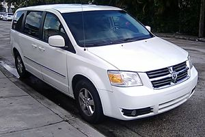 2008 Dodge Grand Caravan for Sale in Miami, FL