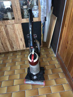 Cleanview muti-cyclonic vacuum for Sale in Miami, FL