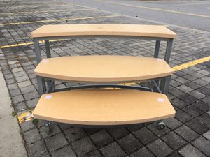 3 shelf stand for Sale in Wesley Chapel, FL
