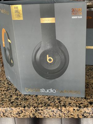 Beats studio 3 wireless - over the ear headphones for Sale in Chicago, IL