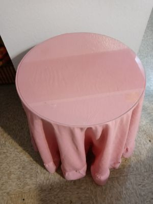 Side-end glass top table for Sale in Placentia, CA