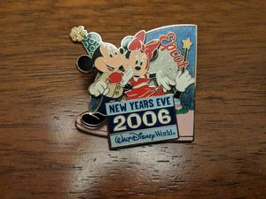 Disney LE pin 7500 New year's Eve 2006 Epcot Walt Disney world with Mickey and Minnie for Sale in Glendale, AZ