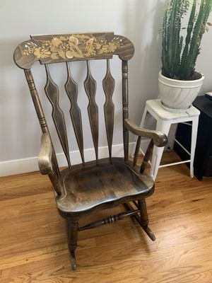 Antique Rocking Chair for Sale in Las Vegas, NV