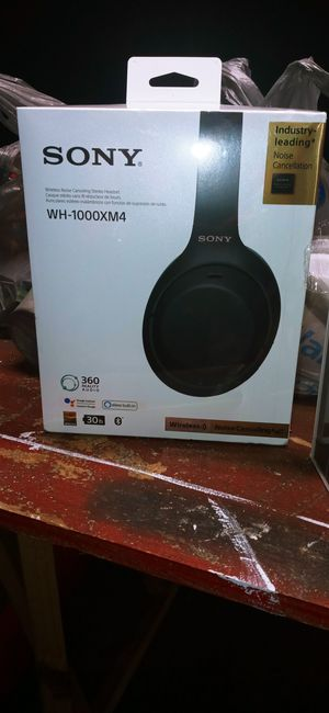 Sony head phones for Sale in Plant City, FL