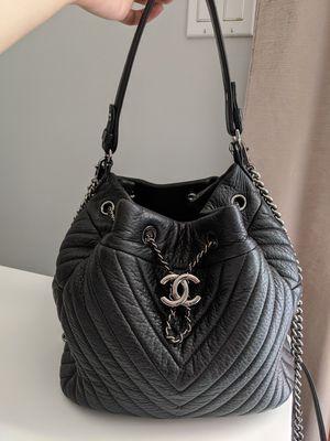 Chanel Chevron Bucket/Crossbody bag for Sale in Los Angeles, CA