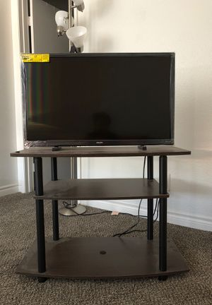 32' Roku Tv for Sale in Chico, CA