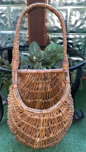 Dark finish Wicker Basket With Handle perfect for artificial plants storage or for hanging home decoration in your house for Sale in Boiling Springs, SC