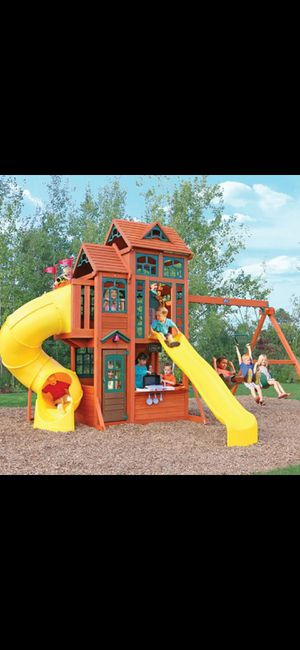 CANYON RIDGE WOODEN SWING SET / PLAYSET for Sale in South El Monte, CA