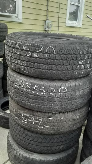 275/55 20 pair of Goodyear tires for Sale in Lincoln Park, MI