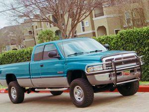 PRICE$1000....///1998 Dodge Ram 2500 5.9L Diesel for Sale in Louisville, KY