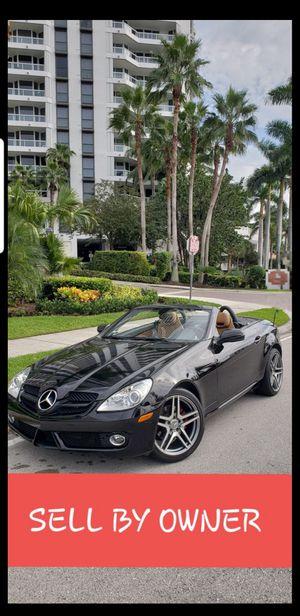 Mercedes Benz SLK convertible 2010 for Sale in Miami, FL