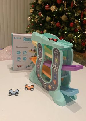 NEW IN BOX $10 Ramp Racer Drop Tier Racing Kids Toy 5 Race Cars Set for Sale in Covina, CA