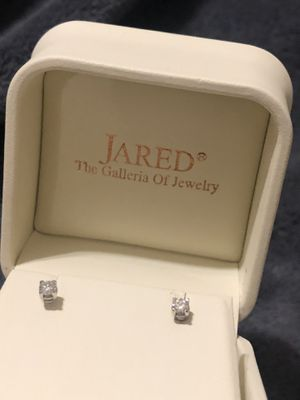 Jared 1/4 diamond earrings for Sale in Pittsburgh, PA