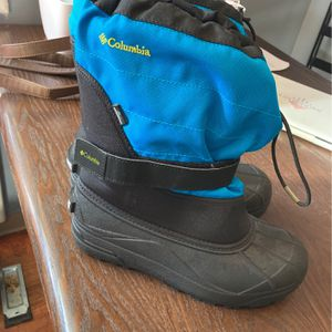 New Snow Boots Size 6y for Sale in Portland, OR