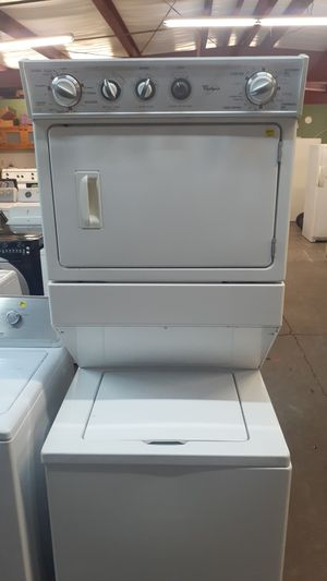 Stackable washer and dryer Whirlpool for Sale in Wichita, KS