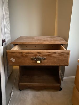 Bedroom end table for Sale in Annapolis, MD