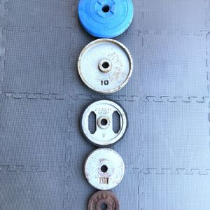 "STANDARD SIZE RUSTY MISMATCHED WEIGHTS PLATES 1"" for Sale in Long Beach, CA"
