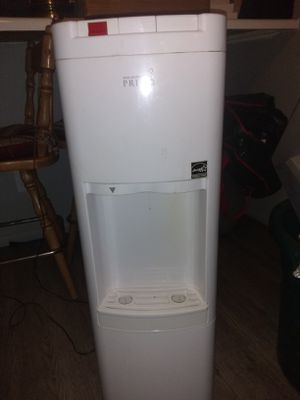 Water cooler and heater for Sale in Phoenix, AZ