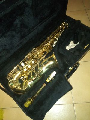 Kohlert saxophone with case for Sale in Tampa, FL