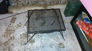 Metal table for Sale in Quincy, IL
