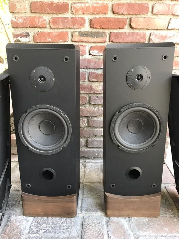 advent a1104 futura 2 way speakers for sale in arcadia. Black Bedroom Furniture Sets. Home Design Ideas