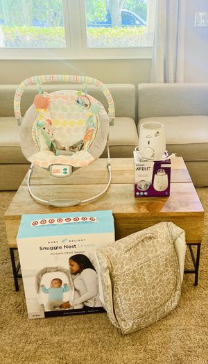 Travel Basinet, Bouncy Chair and Bottle Warmer Bundle for Sale in Lutz, FL