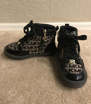 Girls Authentic Michael Kors Boots Size 11 for Sale in Phoenix, AZ