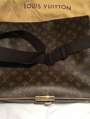 Louis Vuitton messenger laptop bag for Sale in Mustang, OK