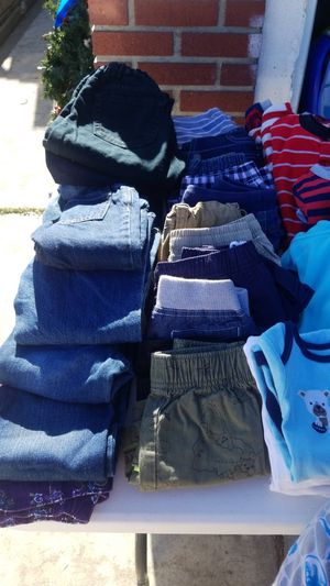 Kids clothes and pijamas Size 18-24months and some 3T for Sale in Corona, CA