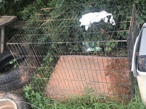 Dog house and cage for sale for Sale in Atlanta, GA