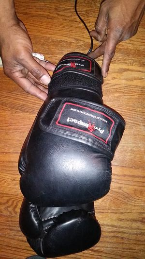 Brand New Pro Impact boxing gloves for Sale in Vallejo, CA
