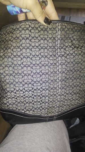 Coach adjustable strap women's purse for Sale in Pomona, CA