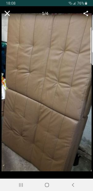 FUTON LEATHER PREOWNED for Sale in The Bronx, NY