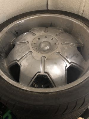 24 inch chrome rims for Sale in Channelview, TX