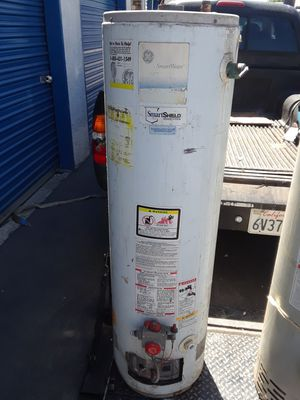 Water heater 30 gallons capacity for Sale in Long Beach, CA