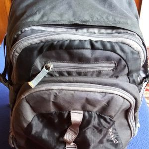Backpack In Excellent Condition for Sale in Marysville, WA
