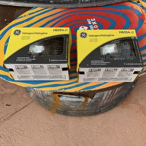 Original headlights for a 1991 jeep wrangler for Sale in Miami, FL