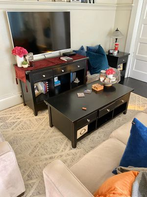 CRATE AND BARREL coffee table for Sale in Chino Hills, CA