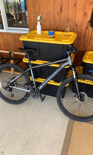 Cannondale catalyst 3 medium hardtail mountain bike 27.5 wheels for Sale in Cardiff, CA