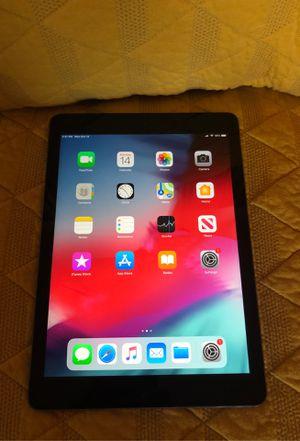iPad Air 128GB Wifi + Verizon for Sale in Bonney Lake, WA