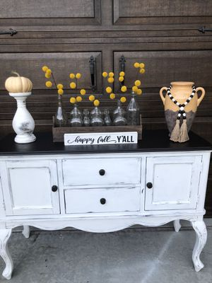 Farmhouse buffett entryway table for Sale in Murrieta, CA